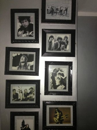 Casa Ramirez: rock and roll pictures