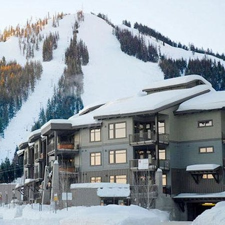 Red Mountain Resort Lodging : Red Mountain Canada Condo Exterior