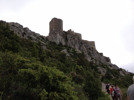 Chateau de Queribus: More tourists proving the climb is not so difficult!