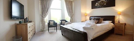 The Chateau & Wye House Suites: Master Bedroom