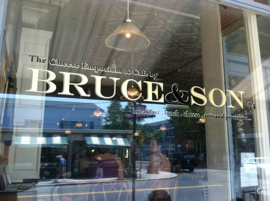 Bruce & Son: Enjoy the view, both inside and out