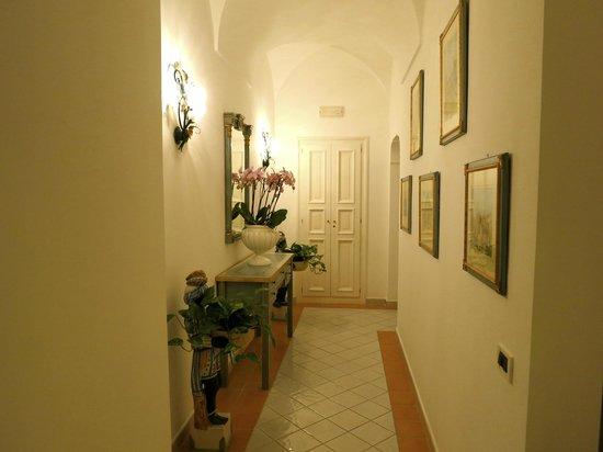 Villa Brunella: pasillo