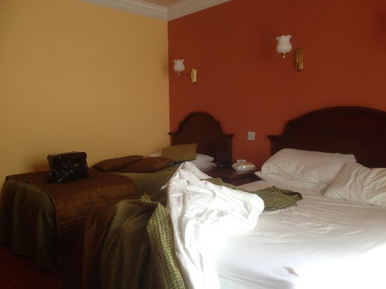 The Central Hotel - Donegal: Our room