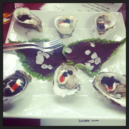 Tin Box: Wellfleets are delicious.. Can't go wrong with oysters and caviar!