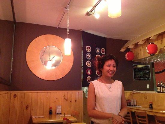 Osaka Japanese Restaurant: Beautiful owner and decor!