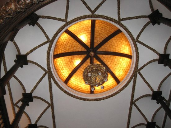 Cotton Mansion: Skylight in the stairwell