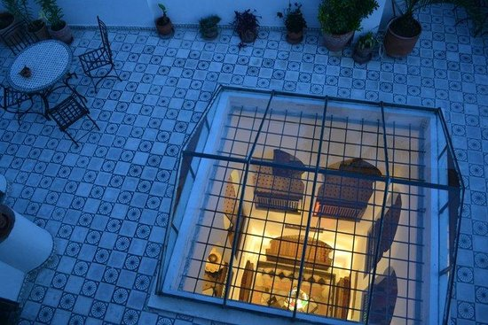 Riad Arous Chamel: terrace and courtyard