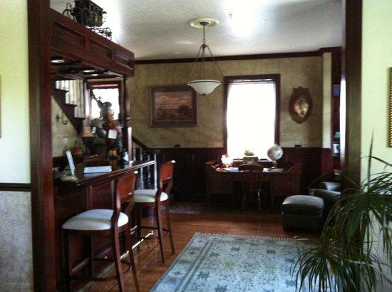 Haxton Manor: The Lobby