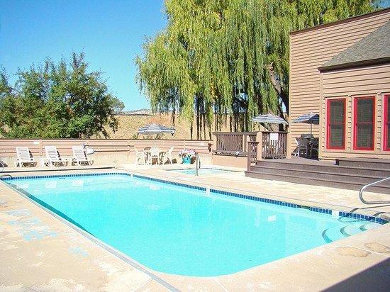 Ferringway Hotel Condominiums: Ferringway Pool Area Original