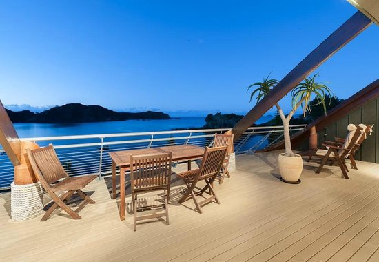 Cavalli Beach House Retreat : Balcony sitting area