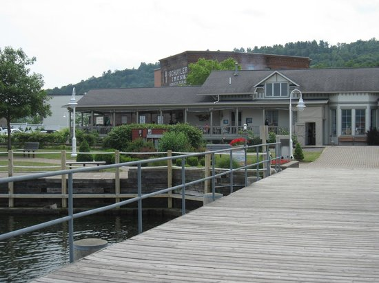 Seneca Harbor Station: View from dock to restaurant