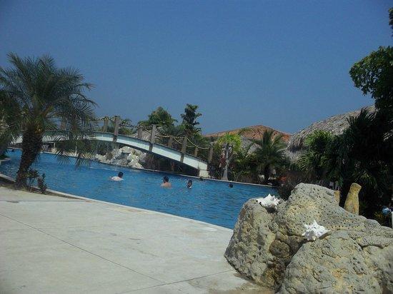 La Ensenada Beach Resort & Convention Center: main pool