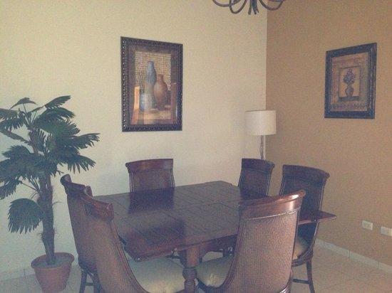 La Ensenada Beach Resort & Convention Center: condo dining room