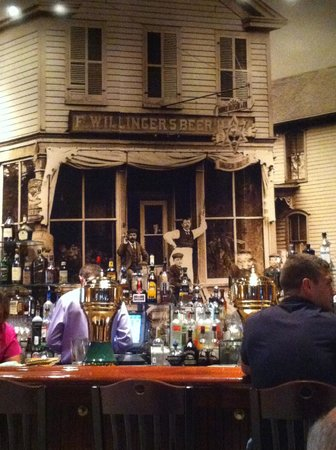 Courthouse Pub: Photo behind the bar of original building