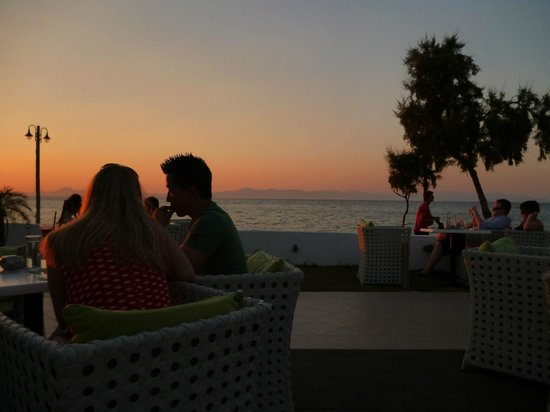 Villa di Mare : What a way to see the sun set