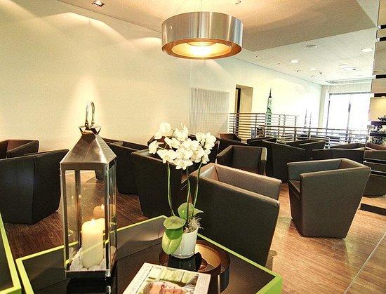Lobby bild von novum style hotel hamburg centrum for Hotel hamburg stylisch