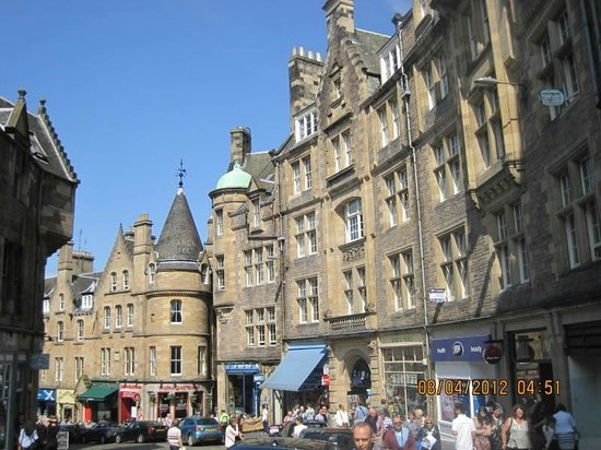 Pubs And Restaurants In Royal Mile Edinburgh
