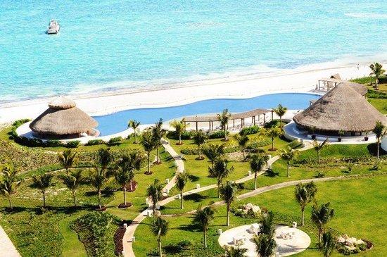 Amara Cancun Beachfront Condos: Terraza