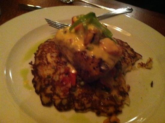 Stoney Knob Cafe: mahi mahi on pancake