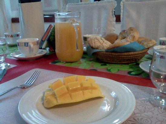 Casa de los Angeles B&B: Awesome breakfast