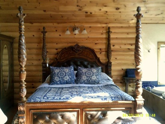 Treehouse Cottages: Whispering Wood