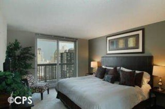 Manilow Suites at The Grand Plaza: CPSMaster Bedroom Bdr
