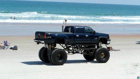 Beach at Daytona Beach: Monster truck