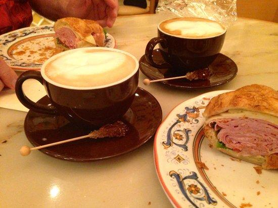Cafe Gelato: Breakfast Croissant & Coffee