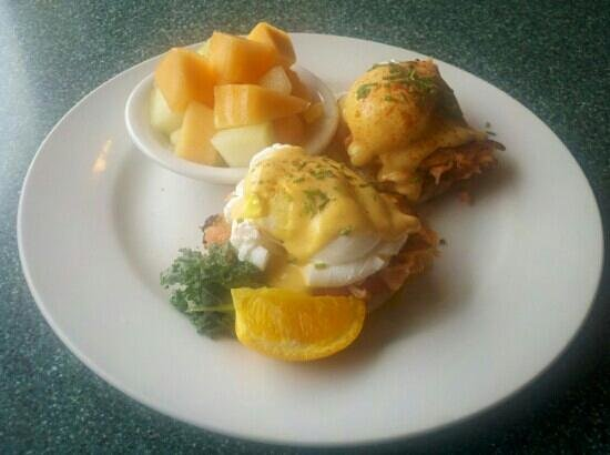 Egg River Cafe : Salmon Eggs Benedict