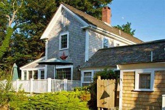 Sea Meadow Inn at Isaiah Clark House: Exterior