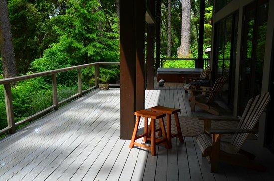 Point-No-Point Resort: huge deck