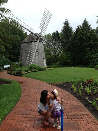 Heritage Museums & Gardens: Wind Mill And A Kiss