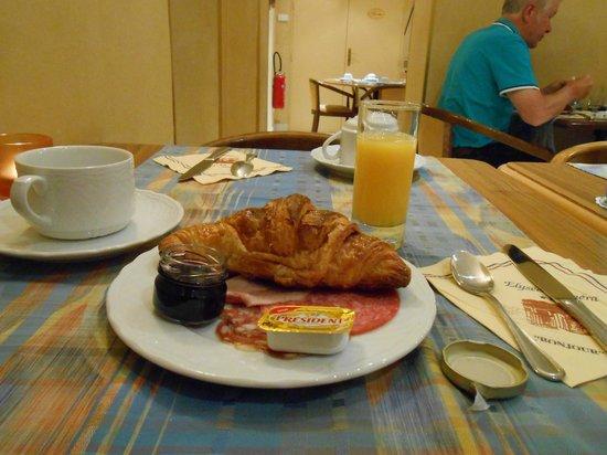 Hôtel Elysées Opéra: Breakfast