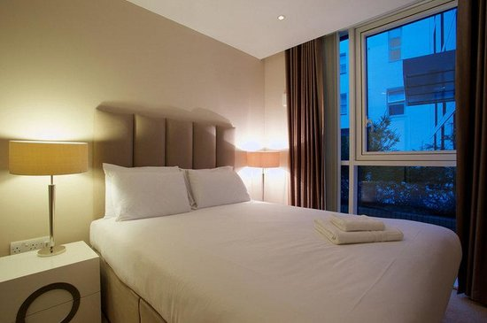 City Nites London - Aldgate: Bedroom
