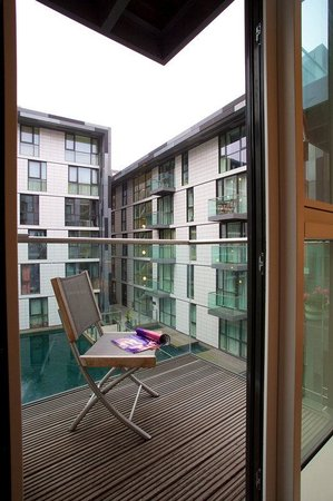 City Nites London - Aldgate: Balcony