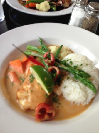 Bistro 694 : Curry halibut