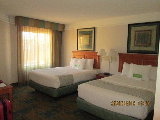 La Quinta Inn & Suites Flagstaff: habitacion