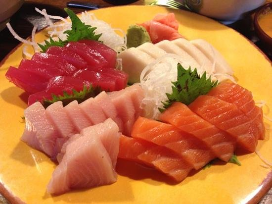 Bamboo Sushi Bar & Hibachi Express: Sashimi Dinner! my fav!
