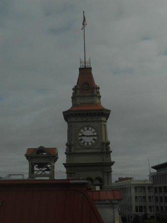 Hotel Rialto: City Hall Clock Tower