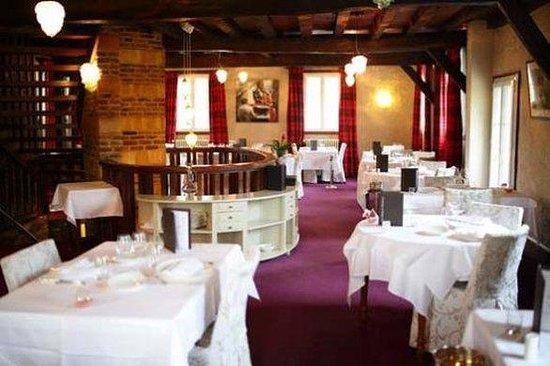 Le Moulin de Mombreux : Restaurant