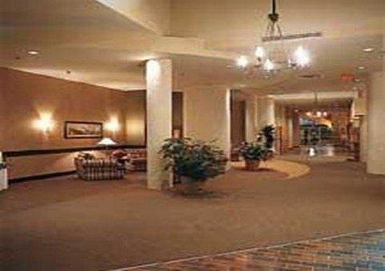 Paradise Inn & Conference Centre: Lobby