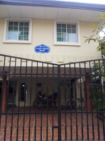 Hostel Villa Vento Surf : facade hotel