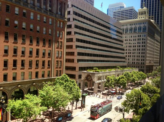 Market Street And Federal Reserve Bank