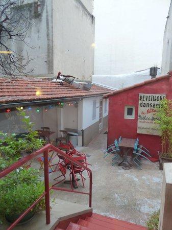 Vertigo Hostel Saint-Charles: テラス