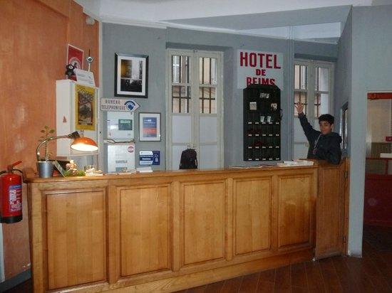Vertigo Hostel Saint-Charles: レセプション