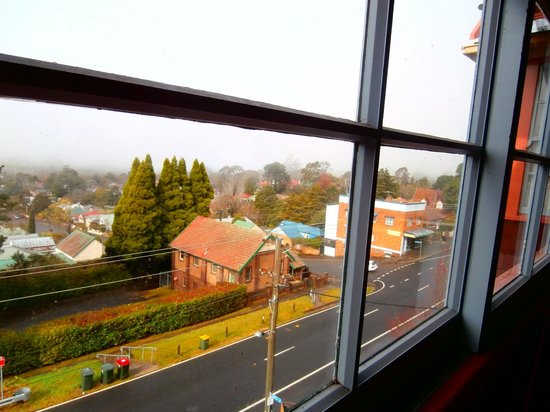 Katoomba Mountain Lodge: View from one of the balconies.