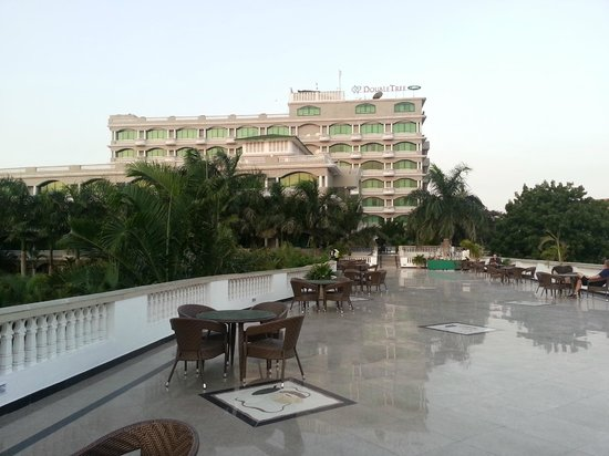 DoubleTree by Hilton Dar es Salaam-Oysterbay: Hotel view from Terrace