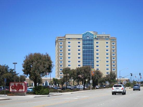 Embassy Suites by Hilton Hotel Monterey Bay - Seaside: Hotel