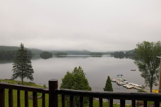 Le Grand Lodge Mont-Tremblant: Lake view from 3rd floor balcony
