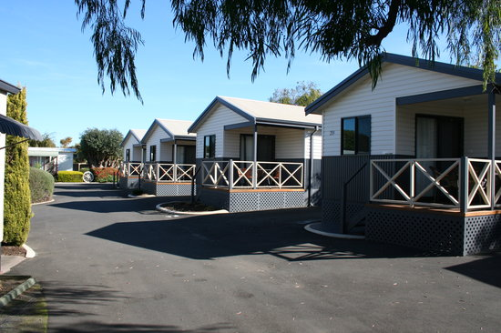 Riverside Cabin Park